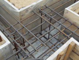 Чем и как вязать арматуру на фундамент?